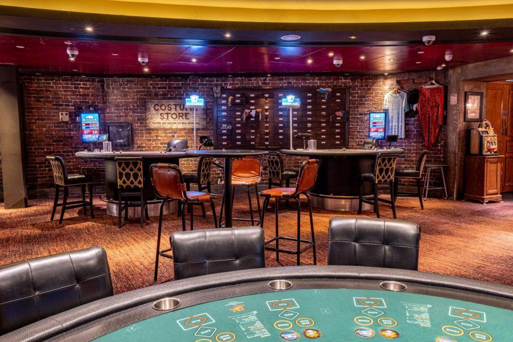 Lola's Bar in the Hippodrome